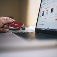 wallet-credit card money spend online shopping ecommerce