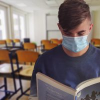 coronavirus school student