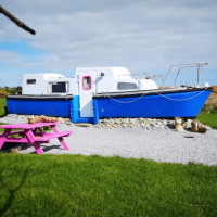 LAND BOAT QUIRKY AIRBNB